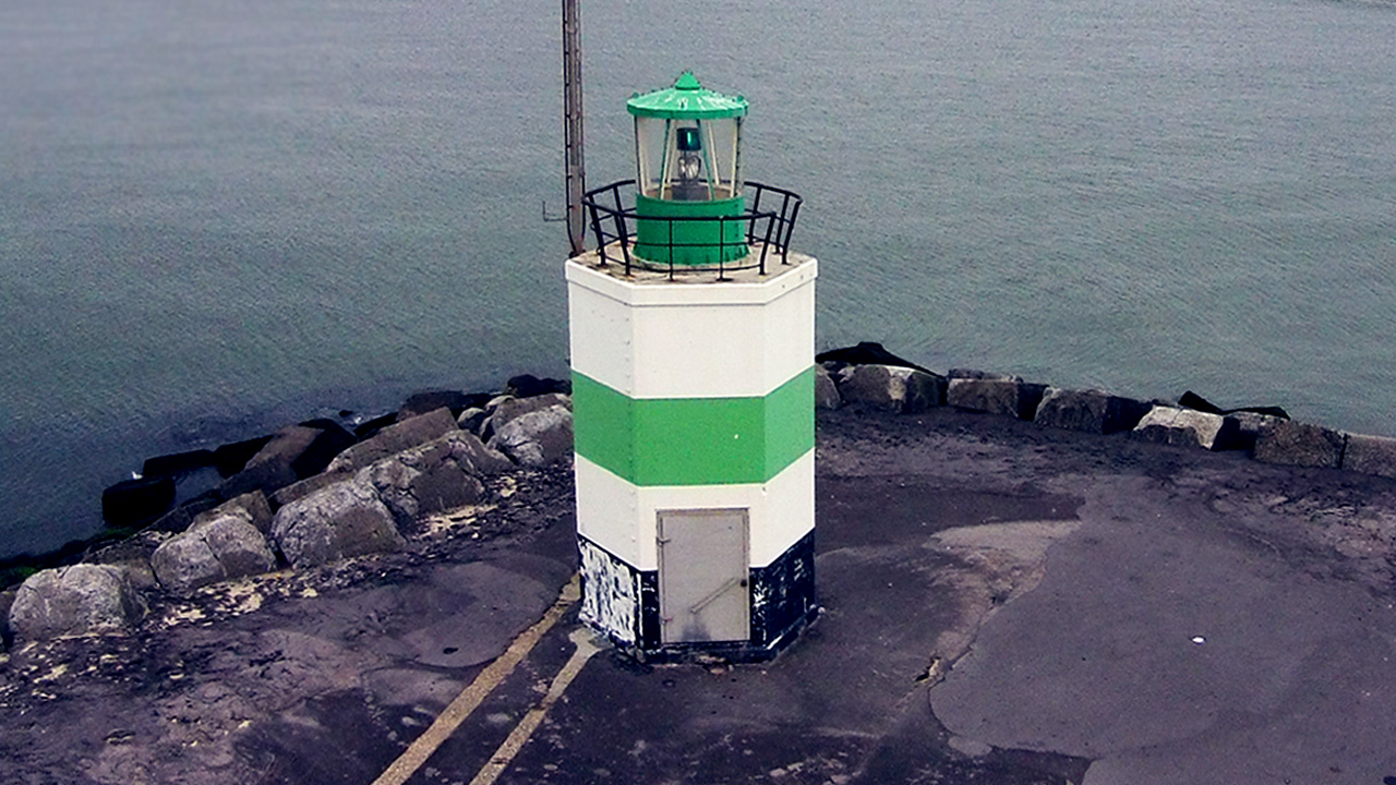 Controlling lighthouses